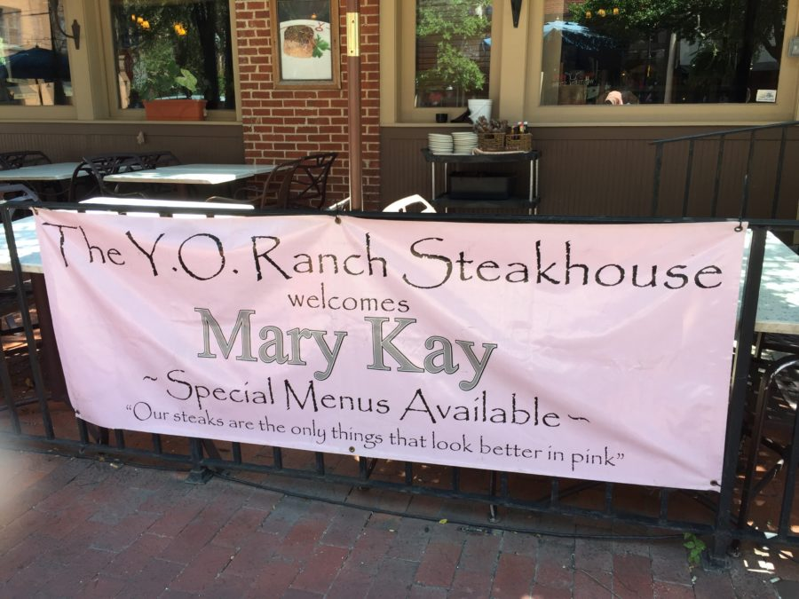 Dallas Steakhouse Welcomes Mary Kay